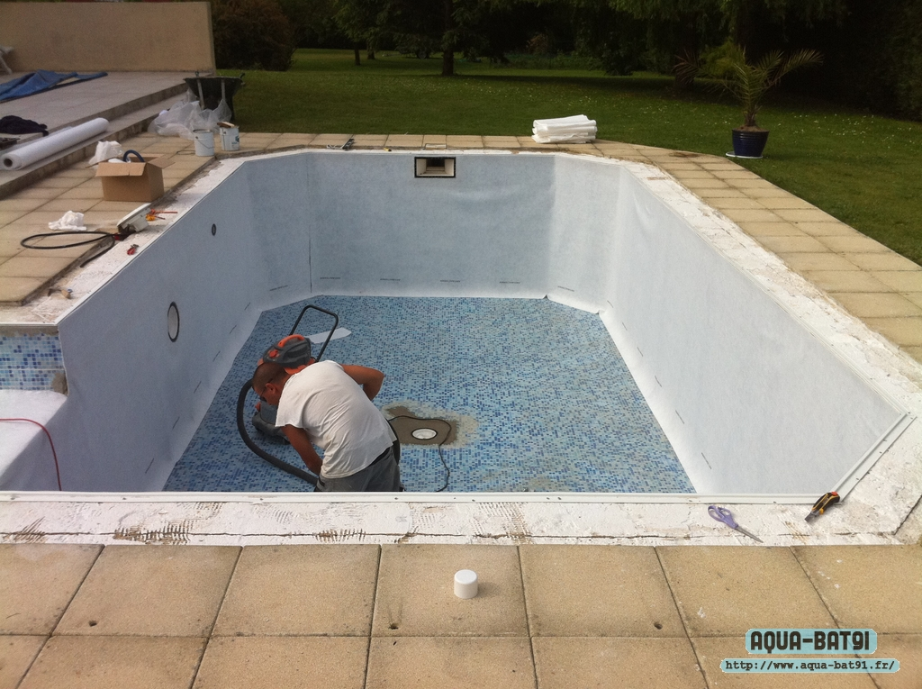 Pose liner pour r novation dans piscine mosa que aqua bat91 for Renovation liner piscine