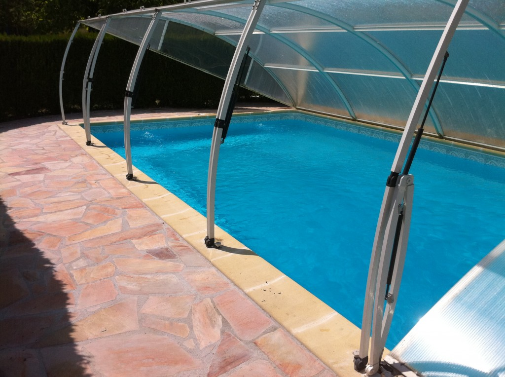 Dallage et pose couverture aqua bat91 for Abri filtration piscine