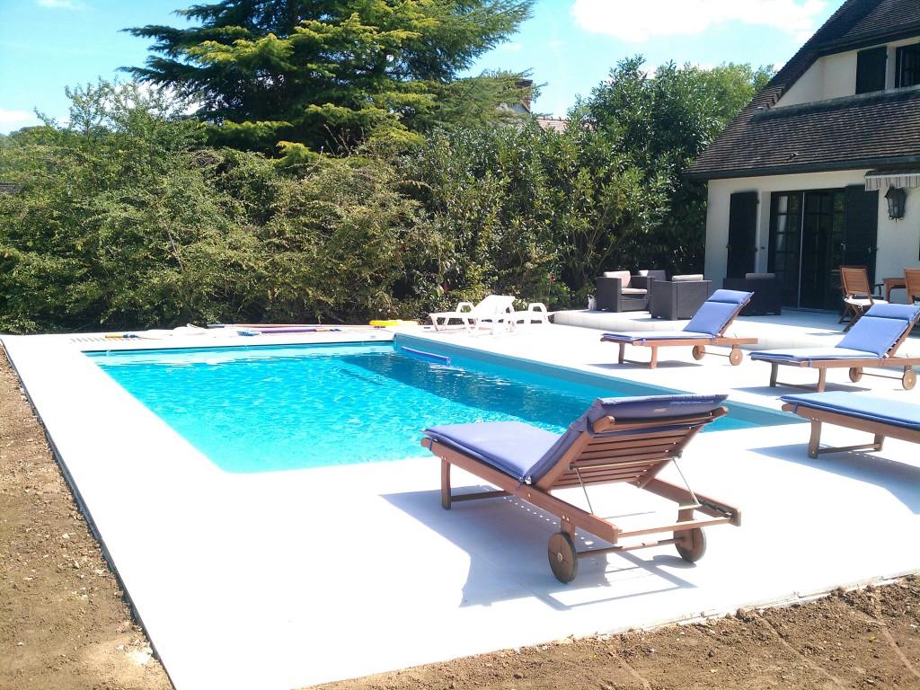 piscine beton avec dallage